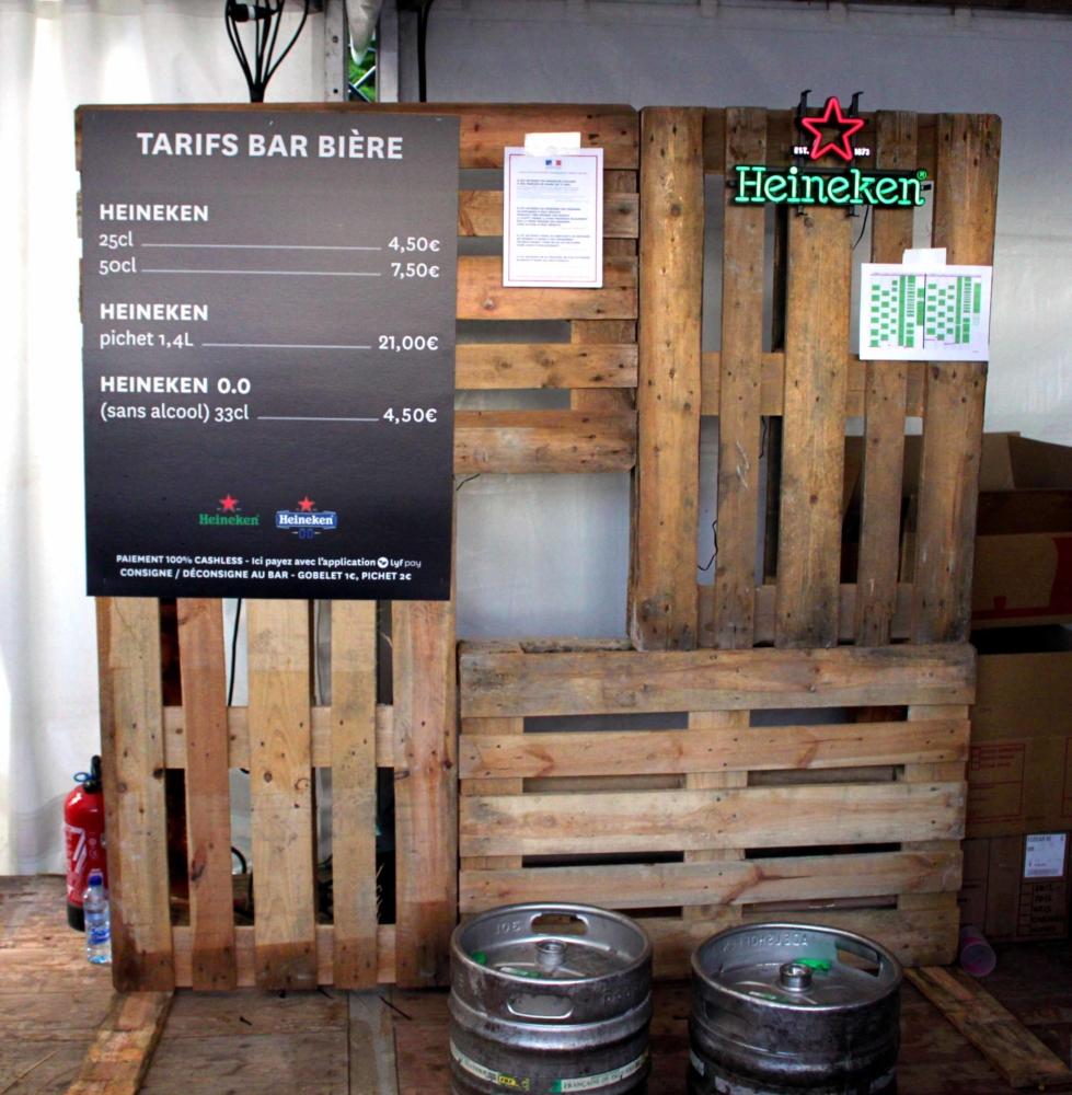 We Love Green Bar