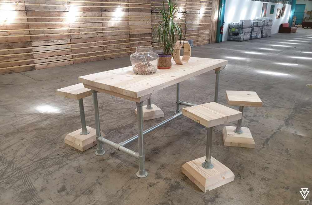 Tables Triple-D Elune