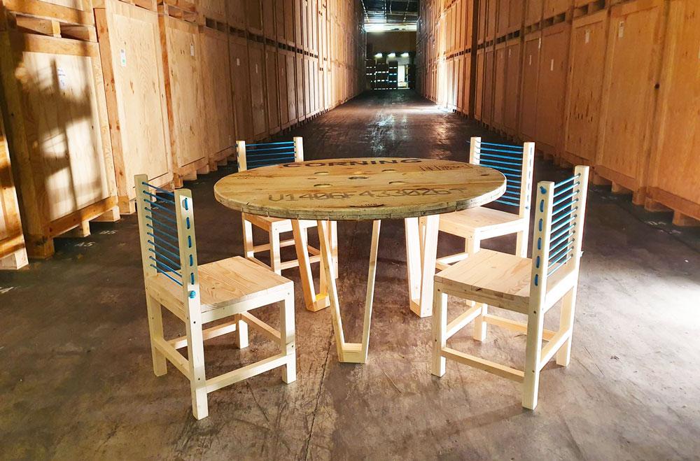 Tables Triple-D Kael et chaises Meryl